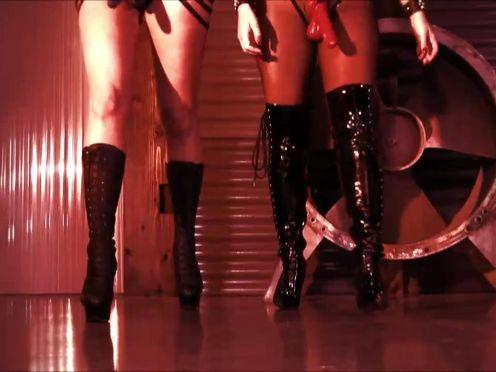 Riley Reid lustful schoolgirl licks dildo