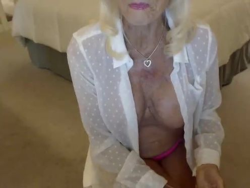 fantasylady50 adorable chick masturbates juicy pussy