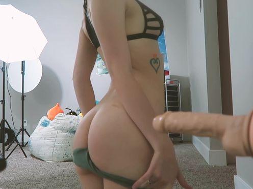 XMissMoxxiX  cute prostitute fingering with sex toys