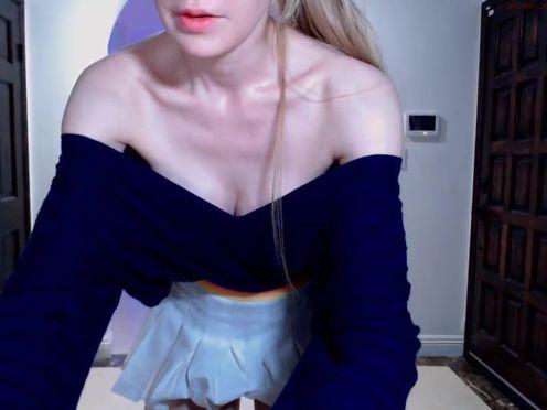 alexis slut fucking pussy