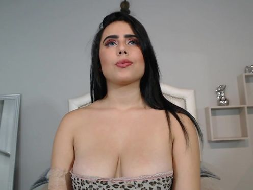 kylie_grey19 awesome bitch seduces with beautiful forms
