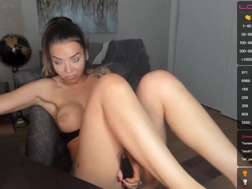 realhousewifexxx whore model pulls pussy