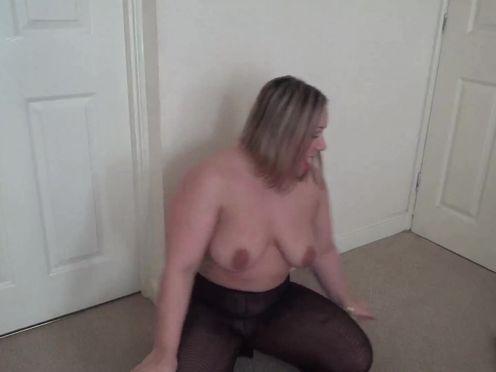 AshleyRider skinny squirt stretches the vagina