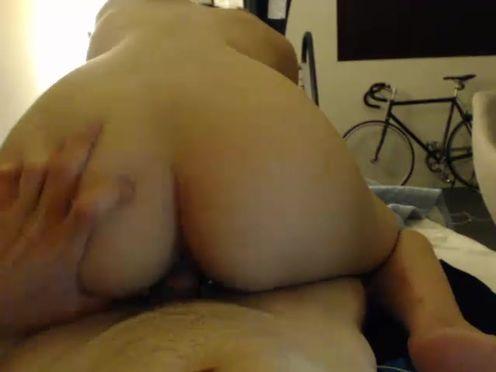 frootoftheloom  Very deep vagina webcam show