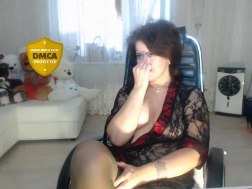 LoveCatsuit  Pretty webcam whore