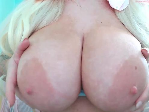 lilymadison92  make good webcam show in pvt for many tokens